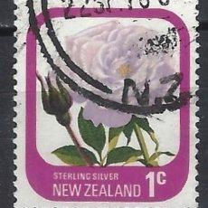 Sellos: NUEVA ZELANDA 1975-79 - FLORA, ROSAS DE JARDÍN, PLATA ESTERLINA - SELLO USADO. Lote 211255171