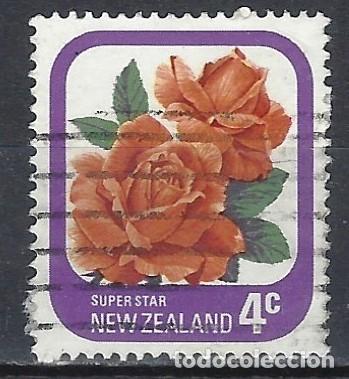 NUEVA ZELANDA 1975-79 - FLORA, ROSAS DE JARDÍN, SUPER ESTRELLA - SELLO USADO (Sellos - Extranjero - Oceanía - Nueva Zelanda)
