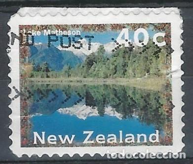 NUEVA ZELANDA 1996 - PAISAJES, LAGO MATHESON - SELLO ADHESIVO USADO CON PAPEL (Sellos - Extranjero - Oceanía - Nueva Zelanda)