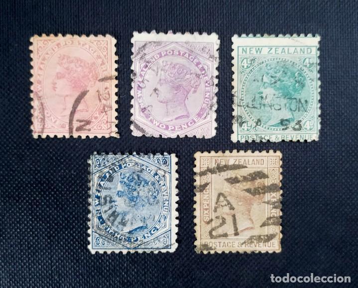 """ANTIGUOS SELLOS DENUEVA ZELANDA 1882, REINA VICTORIA, INSCRIPCION NEW ZEALAND - POSTAGE & REVENUE"""" (Sellos - Extranjero - Oceanía - Nueva Zelanda)"""