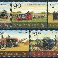 Francobolli: NUEVA ZELANDA 2004 IVERT 2076/80 *** MAQUINAS AGRÍCOLAS ANTIGUAS. Lote 219300487