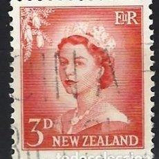 Francobolli: NUEVA ZELANDA 1955 - ISABEL II, NÚMEROS AGRANDADOS - USADO. Lote 224456097