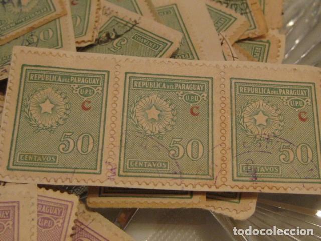 Sellos: C.1930 - 90 SELLOS ANTIGUOS D. ESCUDO D. REPUBLICA DE PARAGUAY VERDE O VIOLETA 50 CENTAVOS RAROS - Foto 3 - 135795762