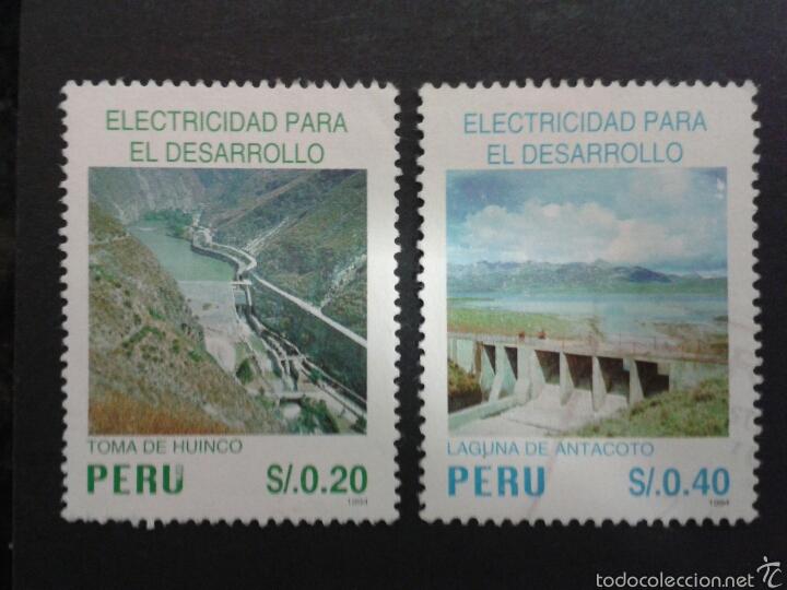 SELLOS DE PERÚ. YVERT 1069/70. SERIE COMPLETA USADA. ENERGÍA ELÉCTRICA. PRESAS (Sellos - Extranjero - América - Perú)