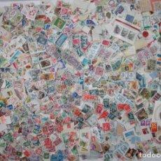 Sellos: A-519/ LOTE DE UNOS 6.000 SELLOS MUNDIALES - WORLD STAMPS - OBSERVAR FOTOS! RARO. Lote 105115235