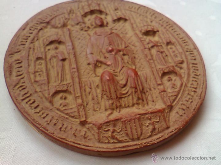 SELLO REY MARTIN I EL HUMANO 1399 REPRODUCCION MUSEO HISTORIA DE BARCELONA 1977 ESTUCO 13 X 0,7 CM (Filatelia - Sellos - Reproducciones)