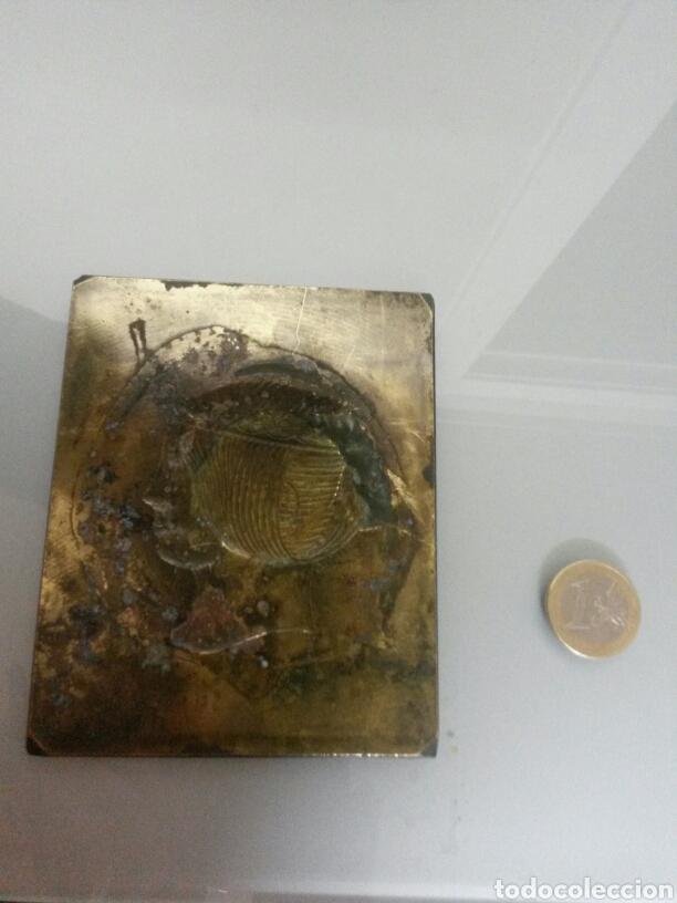 Sellos: ANTIGUA PLACA LATON SELLO 6 REALES 1853 ISABEL II 166gr 11X9cm - Foto 3 - 72320826