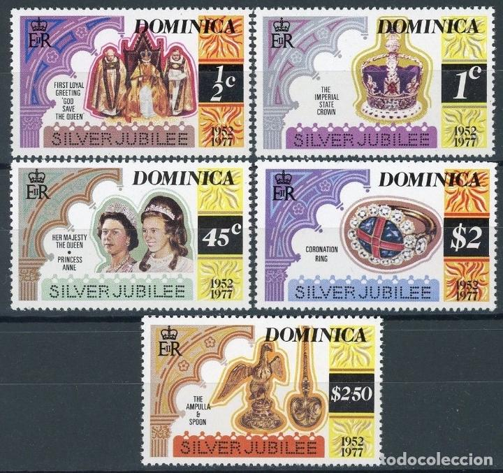 DOMINICA 1977 IVERT 512/6 *** 25º ANIVERSARIO DE LA ASCENSIÓN AL TRONO DE S.M. ISABEL II - CASA REAL (Sellos - Extranjero - América - Otros paises)