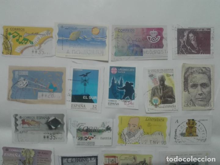 Sellos: 28 SELLOS DISTINTOS AÑOS Y ATM ETIQUETAS FRANQUEO VARIOS CORREOS ESPAÑA - Foto 2 - 213453710