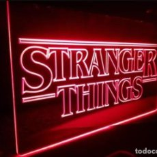 Cine: CARTEL LUMINOSO STRANGER THINGS SERIE NETFLIX POSTER FIGURA CUADRO LAMPARA LOGO INTRO LLAVERO ONCE . Lote 144670068