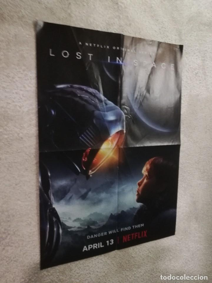 PÓSTER REVERSIBLE: LOST IN SPACE / ANNIHILATION - MEDIDAS APROXIMADAS: 58 X 40 CM. - PESO: 24 GRAMOS (Cine - Posters y Carteles - Series TV)