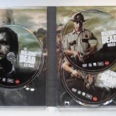 Series de TV: THE WALKING DEAD, 1ª TEMPORADA + CÓMIC LOS MUERTOS VIVIENTES. 3 DVD EN FUNDA. Lote 194637518