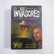 Séries TV: LOS INVASORES - 2.ª TEMPORADA COMPLETA 7 DVD + LIBRITO - PRECINTADA. Lote 245424375