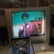 Series de TV: VHS 'DERRIBADO' INCLUYE EL SHOW DE JERRY LEWIS Y REPORTAJE SOBRE EL NAZISMO DE DOCUMENTOS TV. Lote 268722134