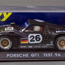 Slot Cars: PORSCHE GT1 FLY TEST 96 CARBONO NUEVO EN CAJA REF A 32 SIN USO. Lote 167937840