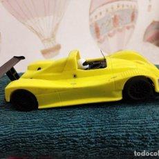 Slot Cars: LOLA B98/10 RACING O4 LPM-R AMARILLO. Lote 229782635
