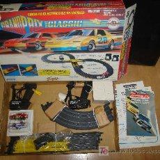 Slot Cars: CIRCUITO ELECTRICO DE VELOCIDAD GRAND PRIX CLASSIC DE FAMOSA. EN CAJA. FAMOPLAY, MARCHON. Lote 22552620