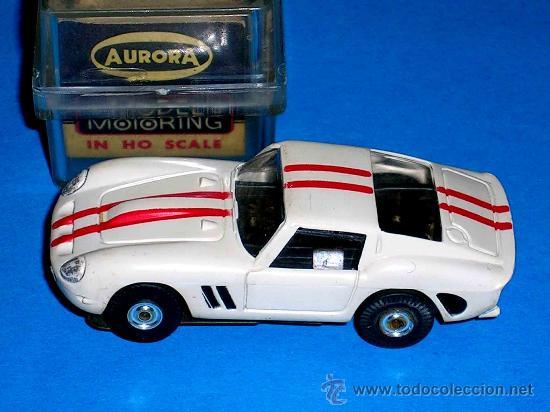 FERRARI 250 SLOT CAR, FABRICADO EN PLÁSTICO, ESC. APROX. 1/75, AURORA, ORIGINAL AÑOS 60. CON CAJA. (Juguetes - Slot Cars - Magic Cars y Otros)