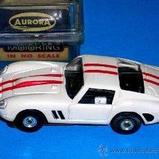 Slot Cars: FERRARI 250 SLOT CAR, FABRICADO EN PLÁSTICO, ESC. APROX. 1/75, AURORA, ORIGINAL AÑOS 60. CON CAJA.. Lote 26447271
