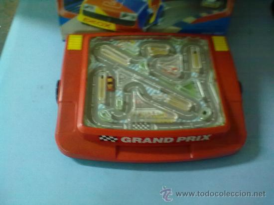 Slot Cars: RACING CAR GRAND PRIX,BATTERY POWER HAND HELD GAME (FUNCIONA) - Foto 5 - 29445895