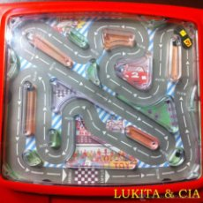 Slot Cars: RACING CAR HAND HELD GAME - BATTERY POWER HAND HELD GAME.. Lote 149586209