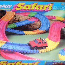 Slot Cars: RALLY SAFARI PISTA FLEXIBLE H-10 CON COCHE JEEP MARCA LEMANOS GUAY MADE IN SPAIN. Lote 143161428