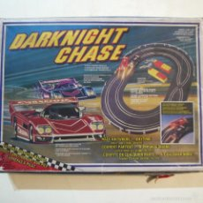 Slot Cars: DARKNIGHT CHASE - CIRCUITO COCHES TIPO SCALEXTRIC - JUEGO A PILAS. Lote 57127460