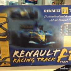 Slot Cars: RENAULT F1 RACING TRACK TEAM COLECCIONABLE PERIÓDICO AS NUEVO. Lote 78299021