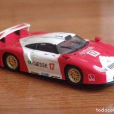 Slot Cars: CARRERA EVOLUTION 25402 PORSCHE 911 GT1 '97 EVO GIESSE - JB RACING 1997. Lote 87666628