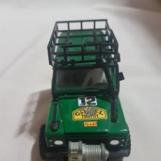 Slot Cars: COCHE SCALEXTRIC STS LAND ROVER 4X4 CAMEL VERDE REF 2205. Lote 89760566
