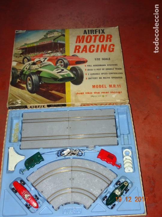 Slot Cars: Caja Circuito MOTOR RACING de AIRFIX con COOPER y FERRARI Escala 1/32 Igual a Scalextric - Año 1960s - Foto 3 - 106960487