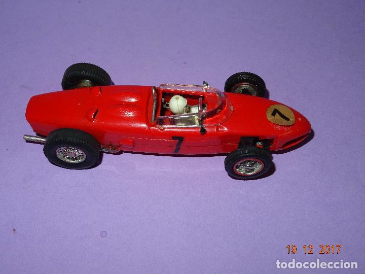 Slot Cars: Caja Circuito MOTOR RACING de AIRFIX con COOPER y FERRARI Escala 1/32 Igual a Scalextric - Año 1960s - Foto 10 - 106960487