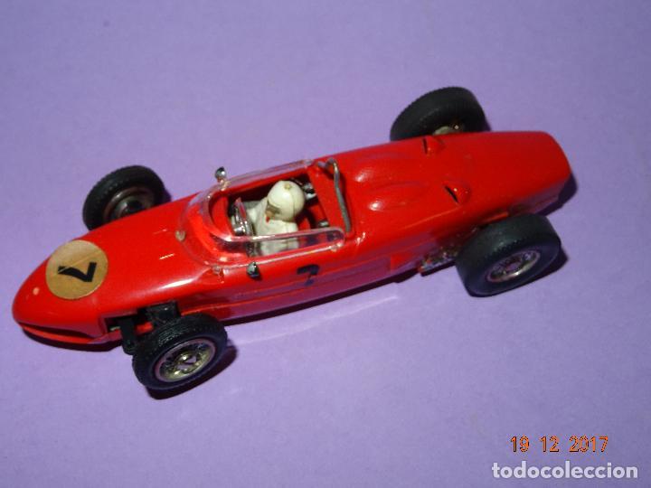 Slot Cars: Caja Circuito MOTOR RACING de AIRFIX con COOPER y FERRARI Escala 1/32 Igual a Scalextric - Año 1960s - Foto 11 - 106960487