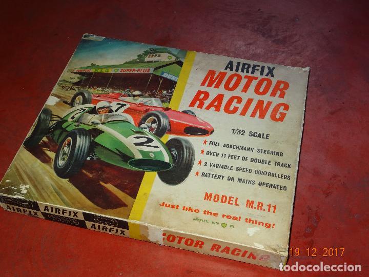 Slot Cars: Caja Circuito MOTOR RACING de AIRFIX con COOPER y FERRARI Escala 1/32 Igual a Scalextric - Año 1960s - Foto 15 - 106960487