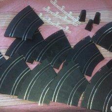 Slot Cars: 17 PISTAS DE CIRCUITO DE SLOT - LOTE DE 17 PIEZAS --- ZXY. Lote 109279306