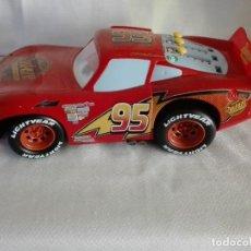 Slot Cars: COCHE PIXAR RUST-EZE RACING CENTER LIGHTNING MCQUEEN. Lote 122761991