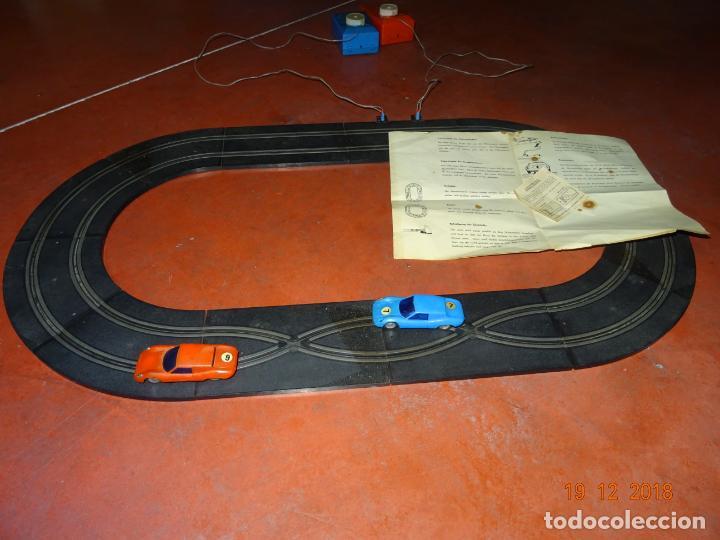 Slot Cars: Antiguo Circuito y Coches Slot con 2 PORSCHE GT LE MANS Fabricado en Hong Kong - Foto 5 - 149580322