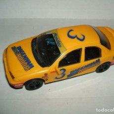 Slot Cars: FORD MONDEO CON LUZ DE LA MARCA HORNBY FUNCIONA. Lote 152926030