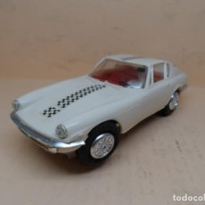 Slot Cars: SCALEXTRIC JYECAR MASERATI GT A6 2500 BLANCO AÑOS 60. Lote 159867934