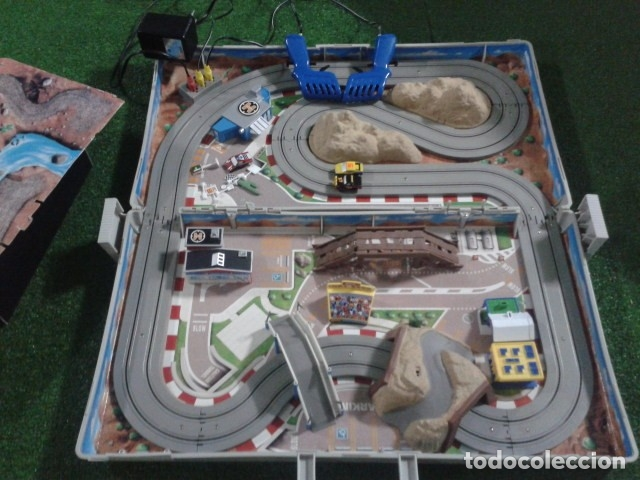 Slot Cars: MICROMACHINES ELECTRICO ( RACING TEAM - 1990 ) SCALEXTRIC MALETIN CON COCHES, MANDOS, CONECTOR , VER - Foto 9 - 177328562