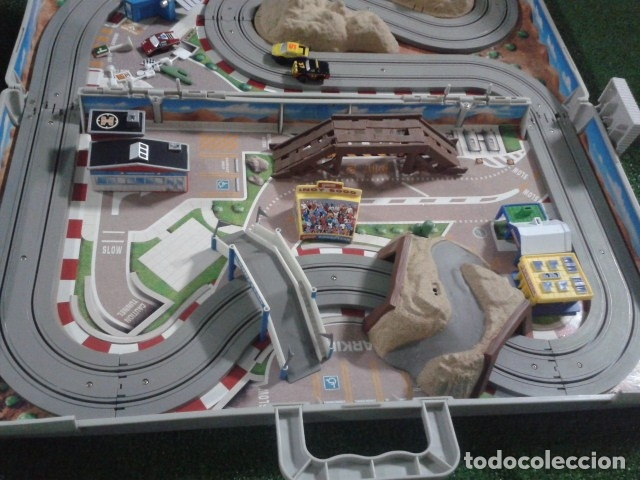 Slot Cars: MICROMACHINES ELECTRICO ( RACING TEAM - 1990 ) SCALEXTRIC MALETIN CON COCHES, MANDOS, CONECTOR , VER - Foto 10 - 177328562