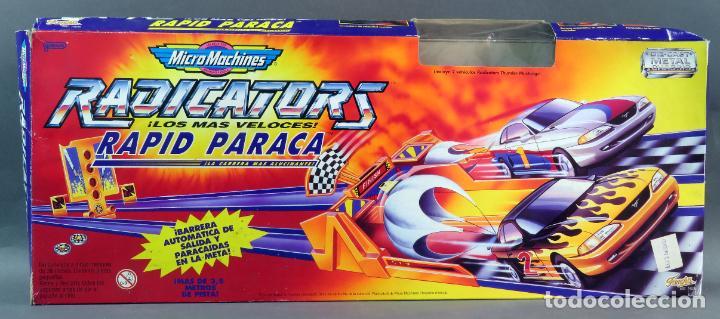 Slot Cars: Micromachines pista Radicators Rapid Paraca caja Ref 74630 con dos coches - Foto 2 - 183915628