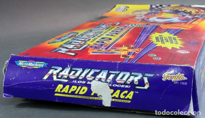 Slot Cars: Micromachines pista Radicators Rapid Paraca caja Ref 74630 con dos coches - Foto 5 - 183915628