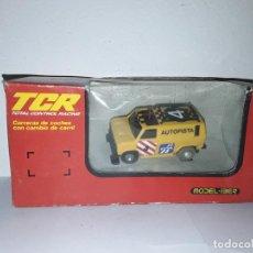 Slot Cars: TCR FURGONETA OBSTÁCULOS AUTOPISTA CON LUZ MODEL-IBER. Lote 231955990