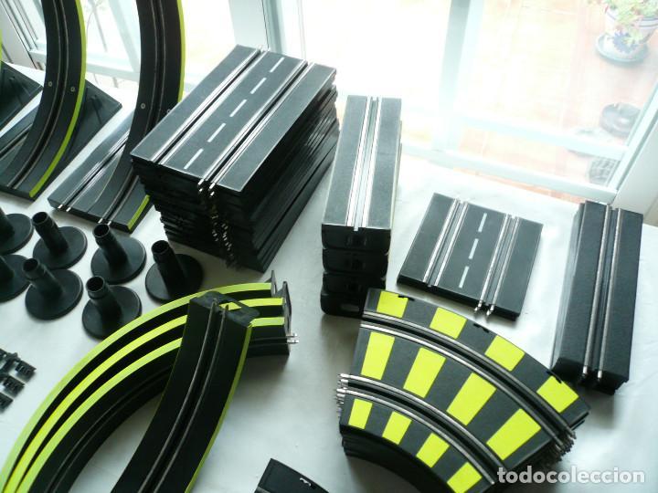 Slot Cars: CIRCUITO DE CARRERAS ARTIN. SIN CAJA. FUNCIONA. 71 PIEZAS - Foto 15 - 193035732