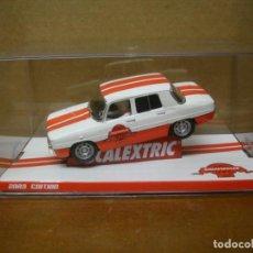 Slot Cars: SCALEXTRIC RENAULT 8 CLUB SCALEXTRIC 2009 NUEVO CON SU CAJA ORIGINAL. Lote 194236002