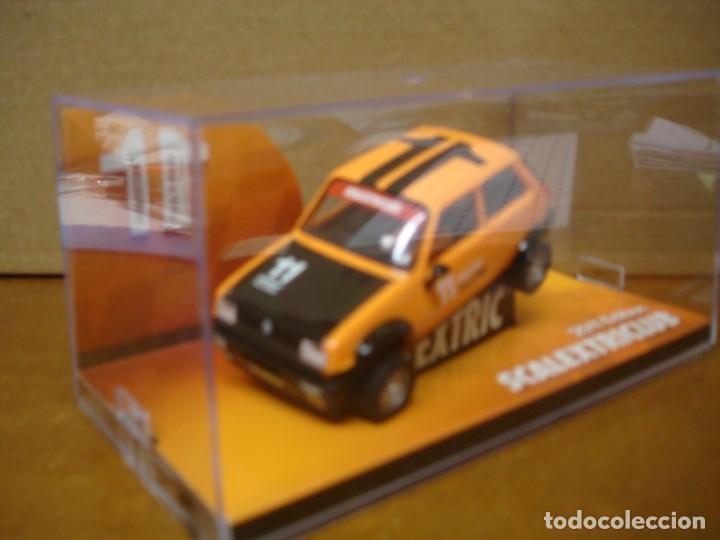 Slot Cars: SCALEXTRIC RENAULT 5 CLUB SCALEXTRIC 2011 NUEVO CON SU CAJA ORIGINAL - Foto 2 - 194236288