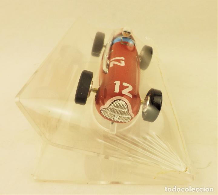 Slot Cars: Slot Cartrix Alfa Romeo nº 12 Luigi Fagioli + Peana expositora - Foto 3 - 198196501