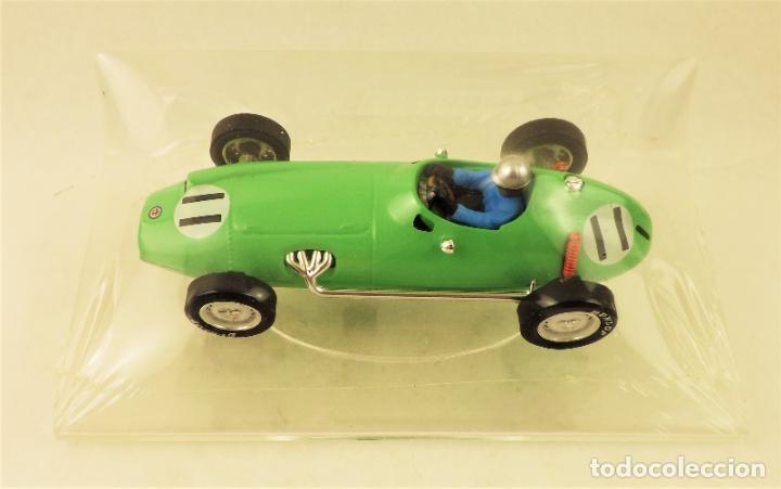 SLOT CARTRIX BRM P-25 Nº 11 + PEANA EXPOSITORA (Juguetes - Slot Cars - Magic Cars y Otros)