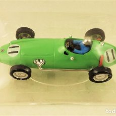 Slot Cars: SLOT CARTRIX BRM P-25 Nº 11 + PEANA EXPOSITORA. Lote 198196957